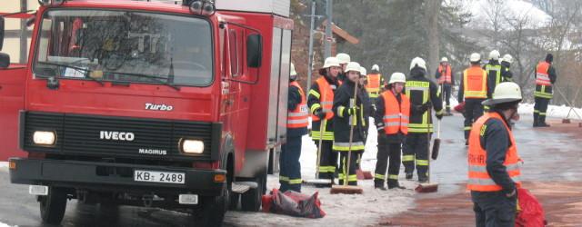 Am Sonntagmorgen wurden wir mit den Feuerwehren Freinhagen und Dehringhausen zu einem Einsatz in Freienhagen alarmiert. Das Stichwort lautete Betriebsstoffe [...]