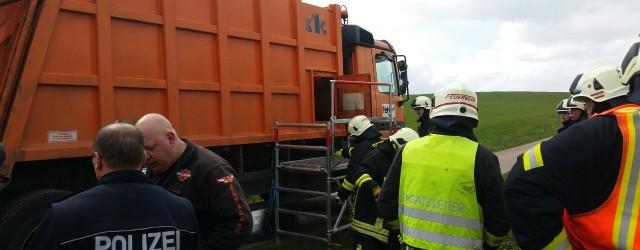 Am heutigen Mittag wurden wir zusammen mit den Feuerwehren aus Höringhausen,Ober Werbe, Nieder Werbe und Meineringhausen zu einem LKW Brand [...]