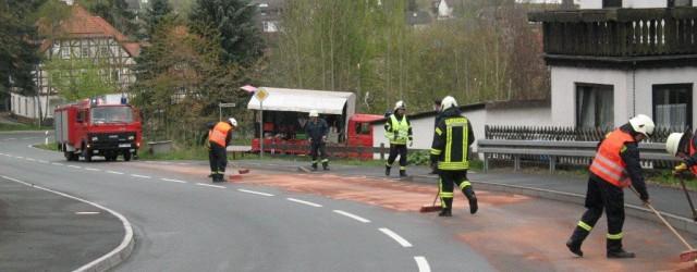 Heute Morgen wurden wir mit der Feuerwehr Freienhagen und Dehringhausen zu einer Ölspur in der Ortslage Freienhagen auf der Bundesstraße [...]